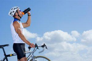 181211cyclist_drinking_77295139_469x313